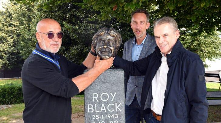 LOKAL 2020-09-22. Velden Roy Black Büste gefunden  im Bild: Velden Roy Black Büste gefunden Retzer Koban Vouk Foto:Hermann Sobe