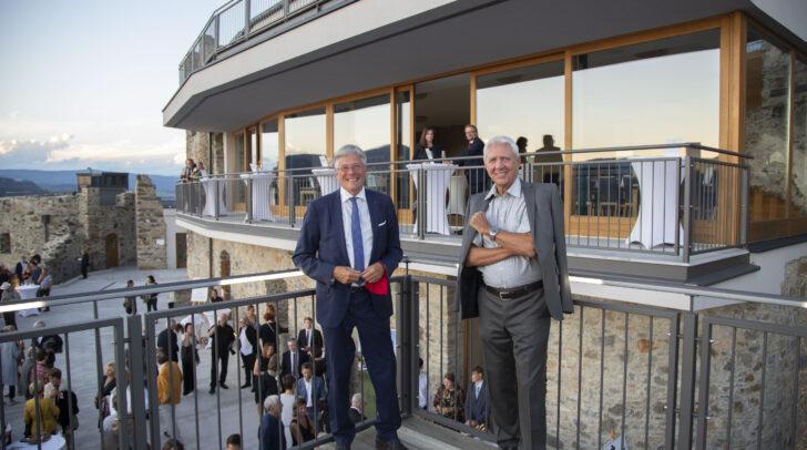 LH Peter Kaiser und Burgherr Alfred Riedl bei der Eröffnung der Taggenbrunner Festspiele.