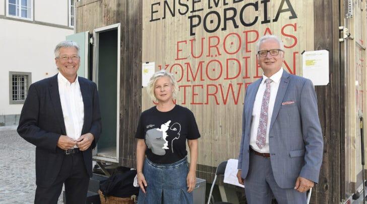 Am Bild: LH Peter Kaiser, Angelica Ladurner und LT-Präs. Reinhart Rohr.