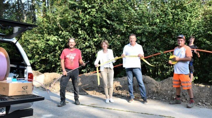 LHStv.in Gaby Schaunig und Bürgermeister Konrad Seunig machten sich ein Bild von den Baufortschritten in St. Georgen am Längsee.