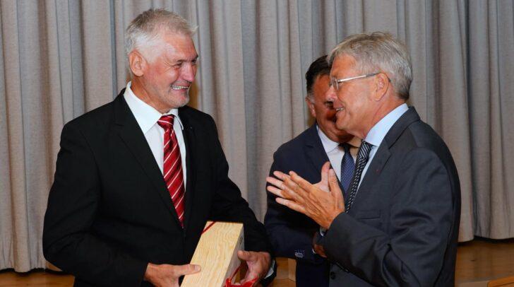 LH Peter Kaiser mit dem neuen Bürgermeister von St. Jakob im Rosental Guntram Perdacher.