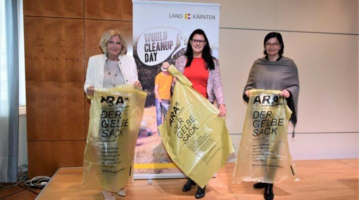 v.l.n.r.: Bürgermeisterin Maria-Luise Mathiaschitz, LR.in Sara Schaar, Bürgermeisterin Marika Lagger-Pöllinger