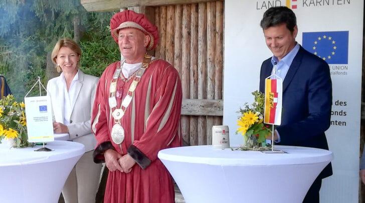 LHStv.in Gaby Schaunig und LR Daniel Fellner mit Bgm. Josef Kronlechner