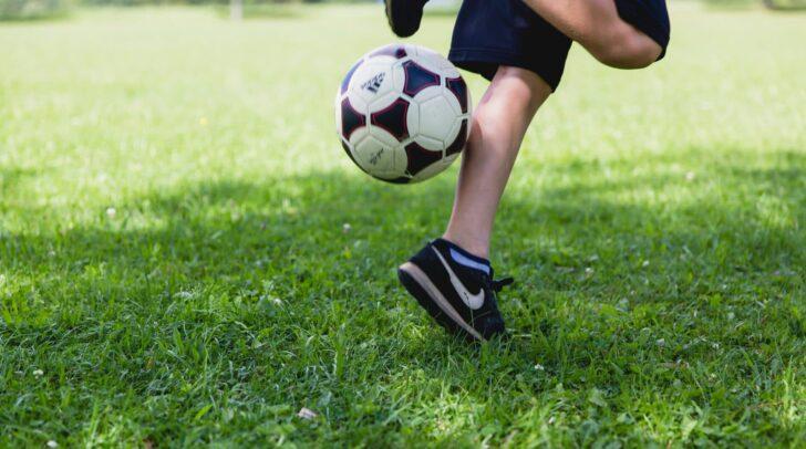 Bürgermeister Günther Albel und Vizebürgermeisterin Irene Hochstetter-Lackner fordern, getesteten Schulkindern wieder Sporttrainings zu ermöglichen.