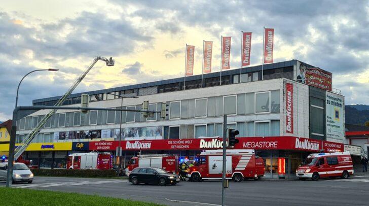 Drei örtliche Feuerwehren und die Polizei standen vor kurzem in der Kärntner Straße im Einsatz.
