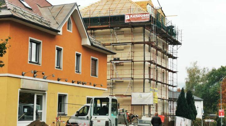In dem Gebäude der ehemaligen Star-Videothek (Am Foto links) wird die Lind-Apotheke Anfang 2021 eröffnen.