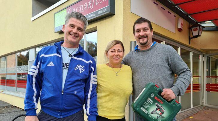 Mario und Astrid Struger sowie Dean Mandic bei den Umbauarbeiten zum neuen AMORE