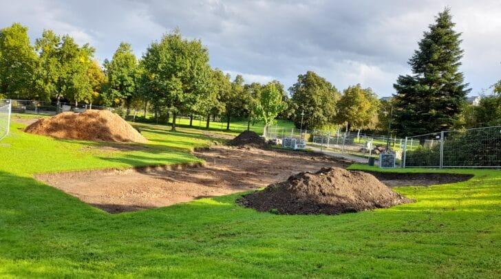 Aktuell sieht man im Welzenegger Park nur eine große Baustelle. Der neue Kinderspielplatz soll im Frühjahr 2021 eröffnet werden.