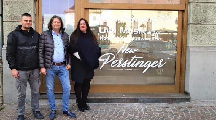 Biljana und Bernd Begusch (v.r.) freuen sich gemeinsam mit Miokouic Vjekoslav (l.) auf die Neueröffnung.