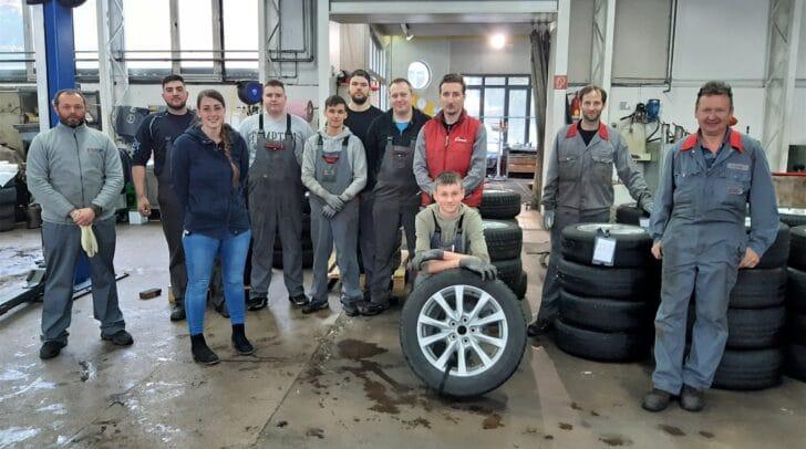 Das Eisner-Team kümmert sich um deine Reifen.