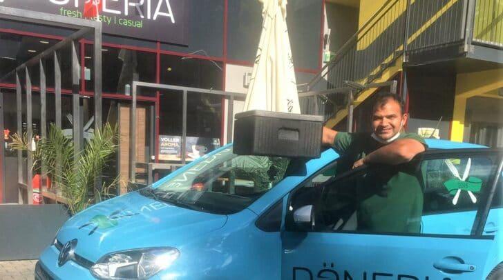 Für die Döneria wurde aufgrund der großen Nachfrage ein zweites Lieferauto angeschafft. So können noch mehr Kunden beliefert werden.