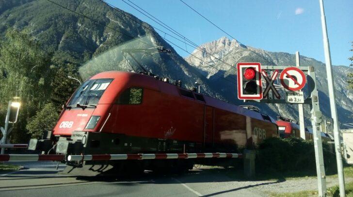 In Kärnten gab es 2019 fünf Unfälle an Eisenbahnkreuzungen, bei denen es zwei Verletzte gegeben hat.
