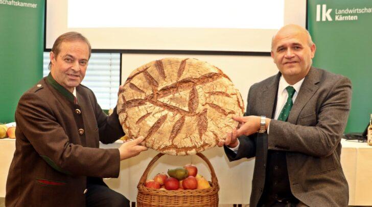 LK-Präsident Johann Mößler und Erich Roscher, Leiter des Referats Pflanzliche Produktion in der LK Kärnten.