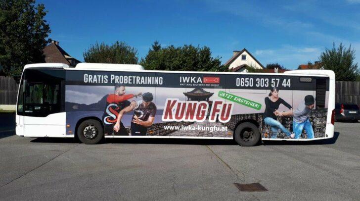 Mach mit beim coolen Gewinnspiel: Fotografiere den Kung Fu Bus und poste ihn auf Facebook. Mehr dazu im Artikel.