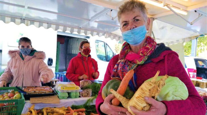 Brigitte Zauchenberger liebt ihren Job am Villacher Wochenmarkt.