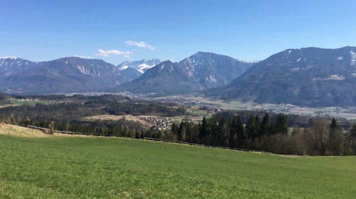 Der Plöschenberg eignet sich sowohl für lange Spaziergänge als auch für kleinere Wanderrouten. Dauer 1 bis 3 Stunden.