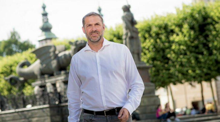 """ÖVP-Stadtrat Markus Geiger Geiger erwartet sich """"steigende Passagierzahlen – und keinen Sinkflug!"""" (c) ÖVP-Gemeinderatsclub"""