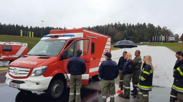 Im ÖAMTC-Fahrsicherheitszentrum fand ein Training für die Kraftfahrer im Feuerwehrabschnitt Grafenstein statt.