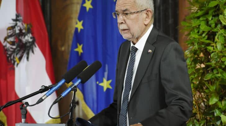 """Bundespräsident Alexander Van der Bellen entschuldigte sich für das """"erlittene Unrecht"""" bei der slowenischen Volksgruppe."""