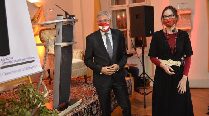 LH Peter Kaiser mit Preisträgerin Verena Schumanski (Literaturpreis des Landes Kärnten für Prosa).
