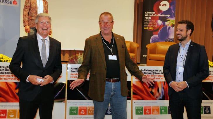 LH Peter Kaiser, Wolfgang Kleemann (HT) und LR Sebastian Schuschnig bei der Podiumsdiskussion.