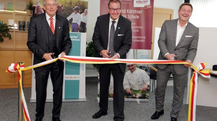 Am Bild: LH Peter Kaiser, Dir. Gerfried Pirker und Bgm. Günther Albel.