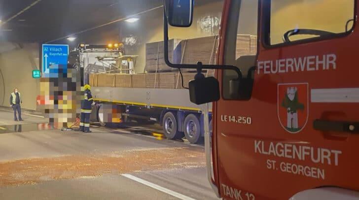Die Berufsfeuerwehr Klagenfurt ist aktuell im Ehrentalbergtunnel vor Ort.