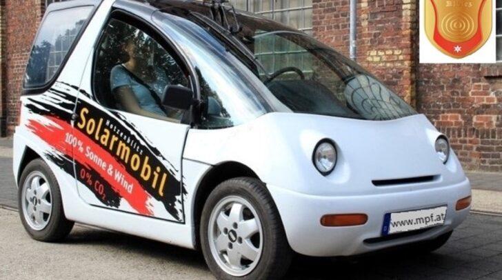 """Offiziell wurde das Auto allerdings """"El Sport"""" genannt. Einige """"Facelifts"""" später wird das Auto immer moderner – siehe Video unten."""