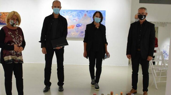 Kulturreferentin Vizebürgermeisterin Gerda Sandriesser, Künstler Arno Popotnig, Galerieleiterin Edith Eva Kapeller und Janes Gregoric.