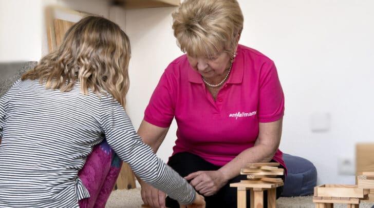 Die Notfallmamas widmen sich im Bedarfsfall ganz den Kindern.