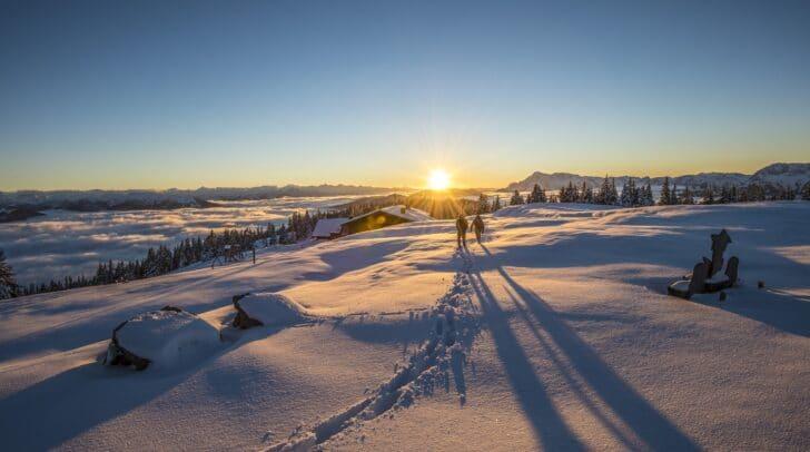 Die Magie des Gehens im Winter: So erlebt man die Wintersonne in …sterreichs Wanderdšrfern