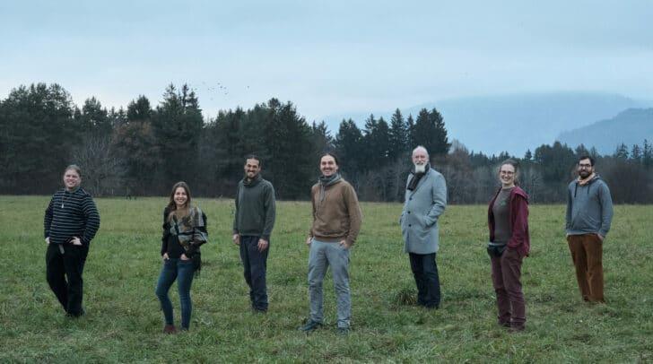 Spitzenkandidat Gerald Dobernig (Mitte) mit dem Team von Verantwortung Erde.