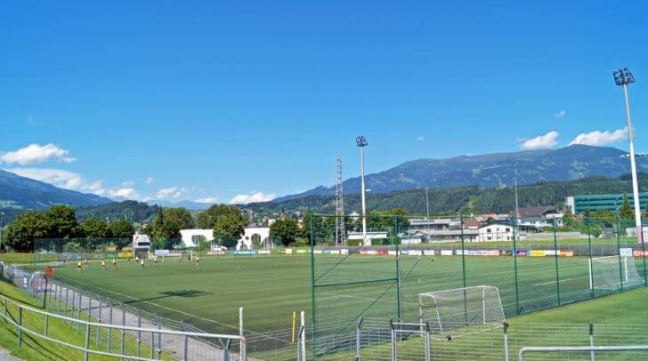 Das in die Jahre gekommene Goldeckstadion wird zu einer modernen Sportstätte umgebaut
