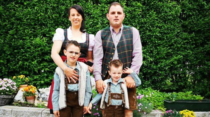 Martin Hattenberger mit Lebensgefährtin Melissa und den gemeinsamen Kindern Tobias (8) und Jonas (5).
