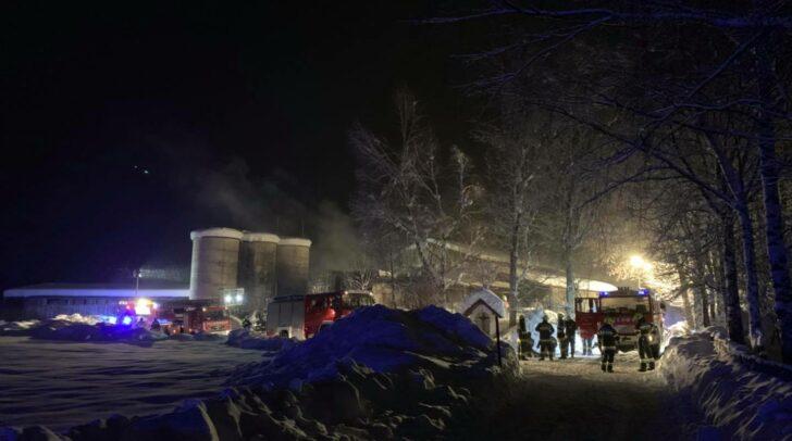 Die Feuerwehren konnten den Brand unter Kontrolle bringen.
