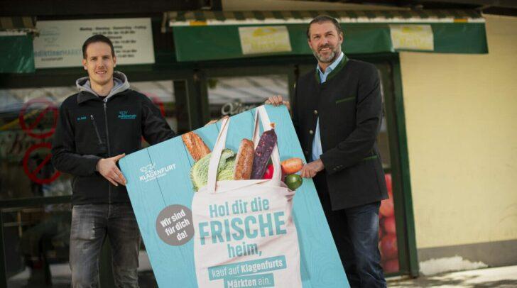 Der Benediktinermarkt ist der älteste Markt in Klagenfurt und konnte trotz Pandemie geöffnet bleiben. Am Bild: Christoph Fleck und Marktreferent Stadtrat Markus Geiger (v.l.)