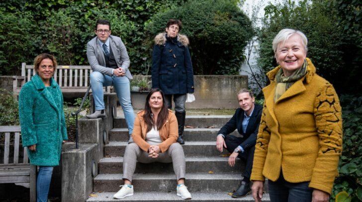 Die Villacher Grünen, allen voran Sabina Schautzer vorne rechts, setzen sich im Villacher Gemeinderat für den Kulturhofkeller ein.