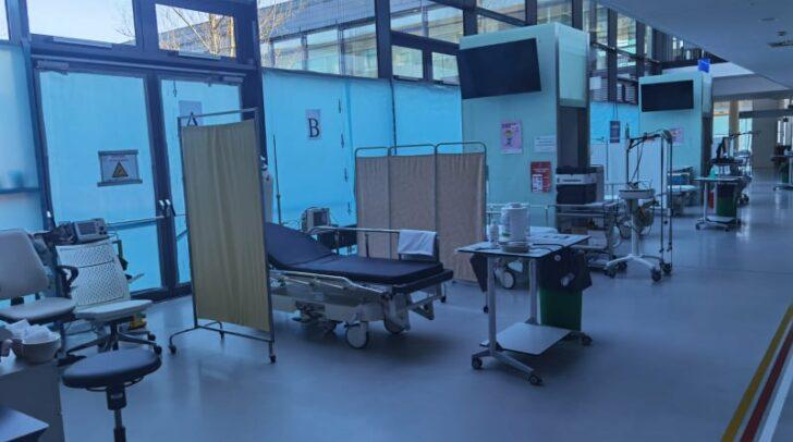 Seltene Einblicke: In manchen Corona-Bereichen im Klinikum Klagenfurt ist Ruhe eingekehrt.