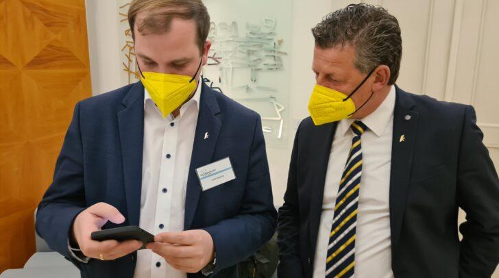 Der designierte Klubobmann des Team Kärnten, Patrick Jonke (links), und der Klagenfurter Bürgermeister Christian Scheider (rechts).