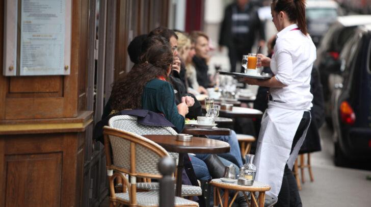 Die Gastronomie bleibt zwar vorerst noch geschlossen, Gastgärten dürfen aber ab 27. März wieder geöffnet werden.