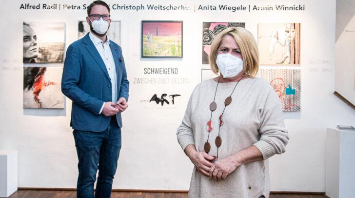 Kulturreferentin Gerda Sandriesser und Vereinsobmann Marc Germeshausen laden zur großen Gemeinschaftsausstellung