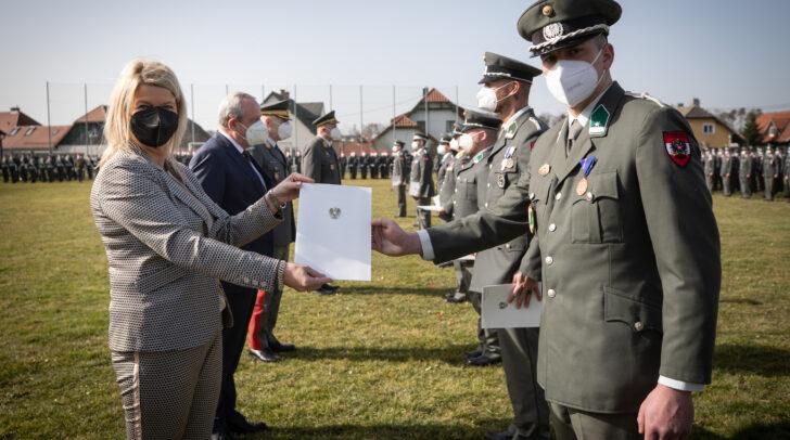 654 neue Unteroffiziere für das Bundesheer, davon 80 aus Kärnten.