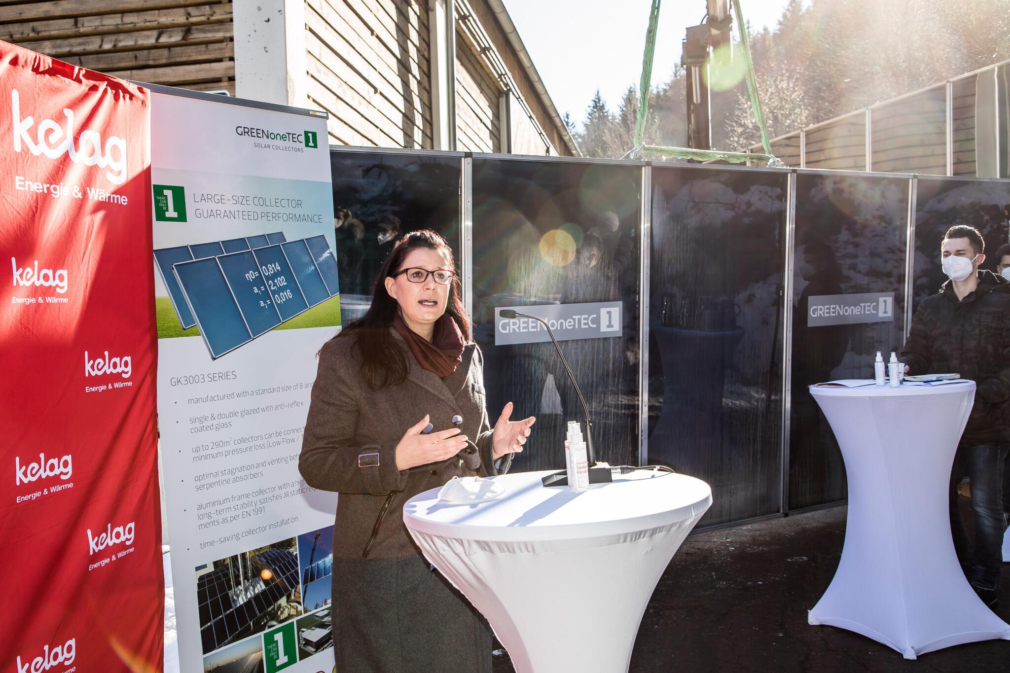 Landesrätin Sara Schaar freut sich über die Errichtung des Musterprojektes im Sinne des Klimaschutzes.