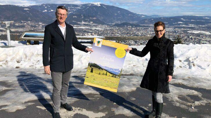 Stadträtin Katharina Spanring (Stadt Villach) und Johannes Hörl (Geschäftsführer Villacher Alpenstraßen Fremdenverkehrs GmbH) auf der Villacher Alpenstraße.