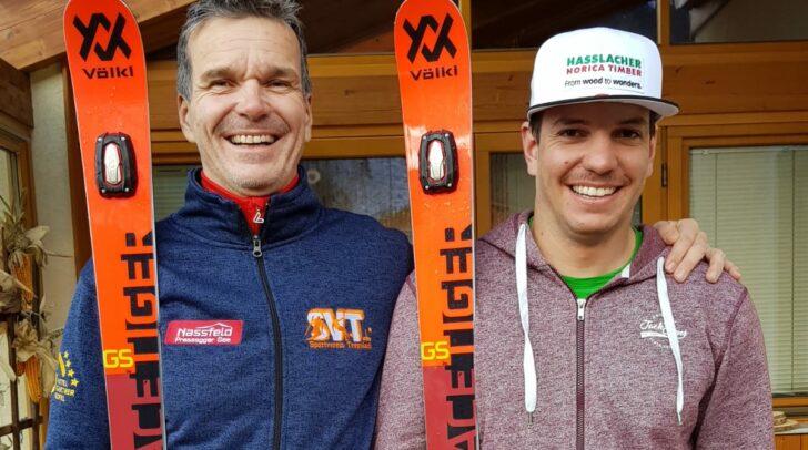 Markus Salcher mit seinem stolzen Vater.