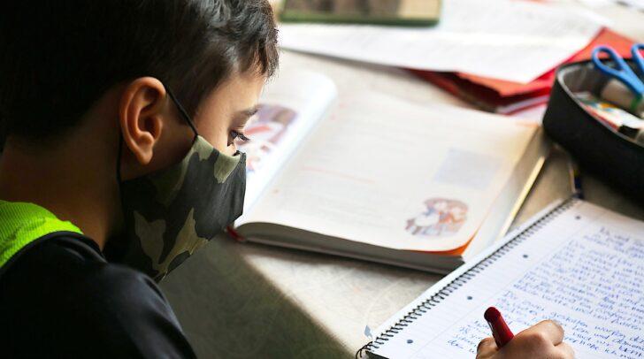 Wir haben die wichtigsten Corona-Maßnahmen für Schüler und das Lehrpersonal für euch zusammengefasst.