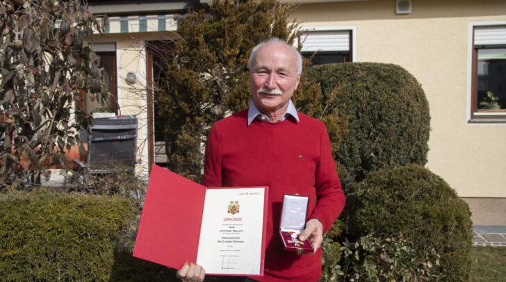 Das Ehrenzeichen des Landes wurde an  Josef Blajs verliehen.
