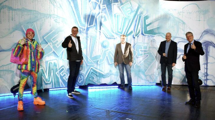 Influencer Ian Jules und die Kernpartner der virtuellen Lehrlingsmesse: Wolfgang König, Hannes Mößlacher, Bernhard Erler und LH Peter Kaiser