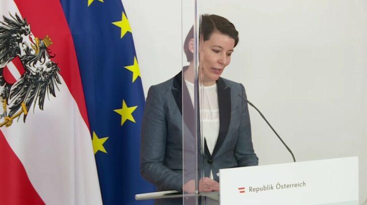 Dr. Katharina Reich