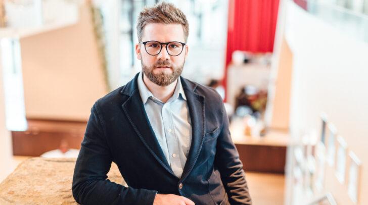 Gastronom Paul Haas kritisiert die neue Gastgarten-Regelung der Regierung.